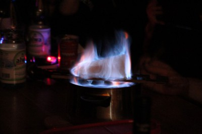 traditionelle Feuerzangenbowle