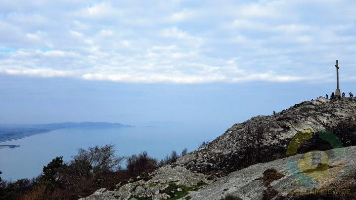 Blick am Gipfel des Bray Head